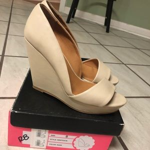 Charlotte Russe size 8 wedges